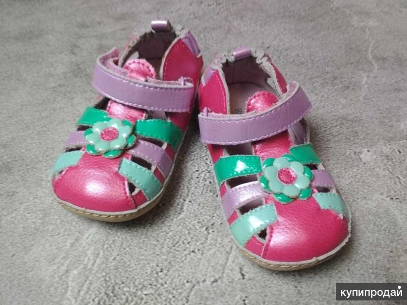 Новые сандалии Robeez