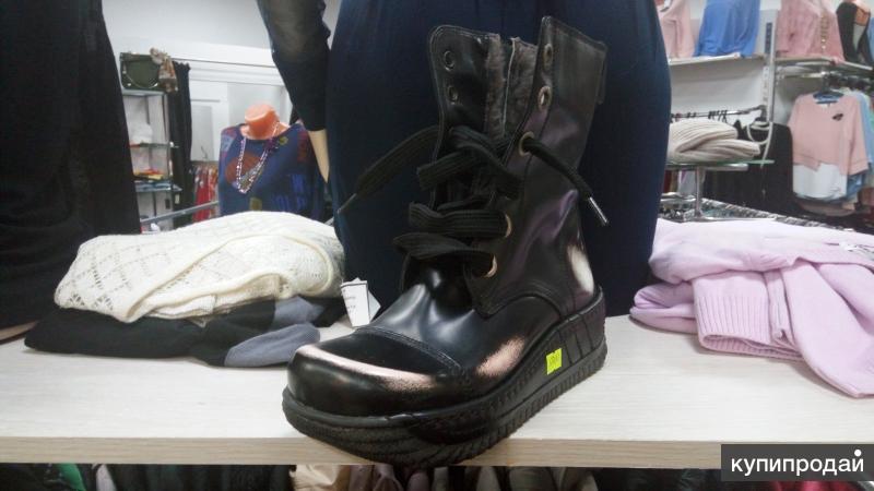 Платья ботинки сапоги новые с магазина