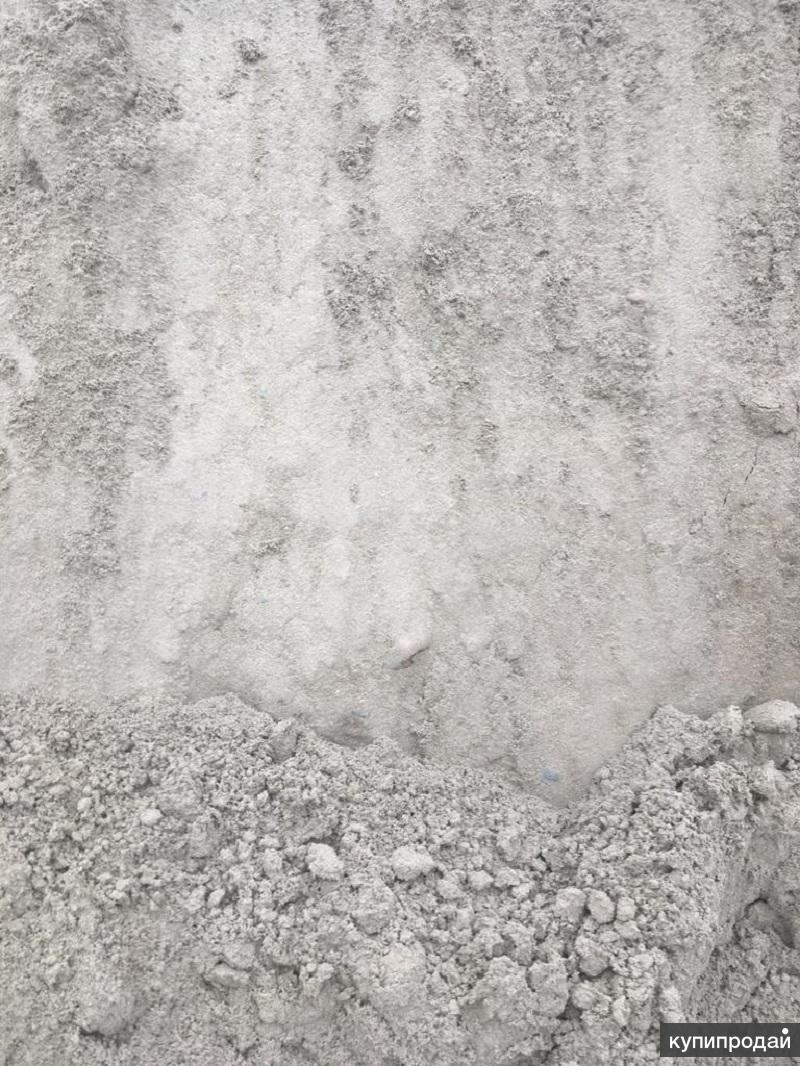 серый песок для строительства