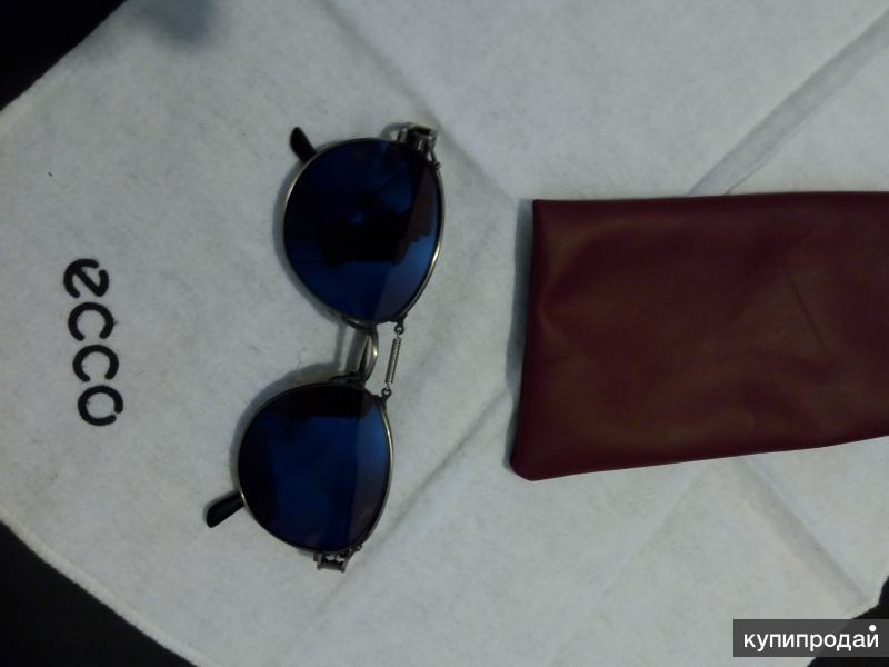 Линзы: Cadillac солнцезащитные, УФ защита 100%, цвет — серый, с синим оттенком.
