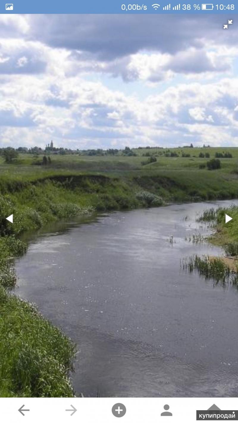 1,5 га.справа и слева граничит с АЗС ЛУКОЙЛ и КАФЕ по трассе М 8, 180 км от МКАД