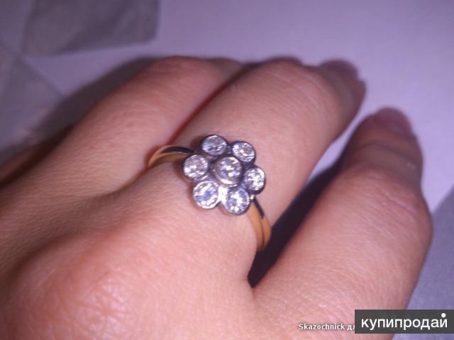 Кольцо из желтого золота с 7-ю бриллиантами
