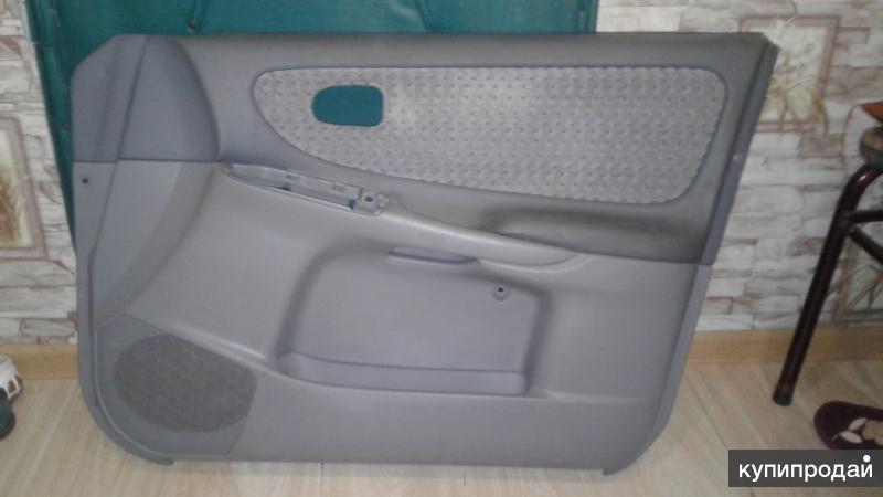 обшивки дверей Mazda капелла