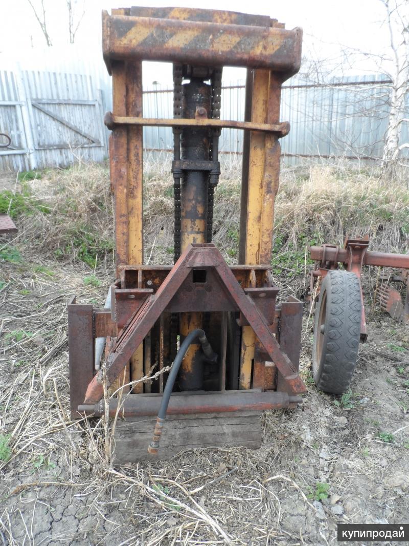 Подъёмник на заднюю навеску трактора