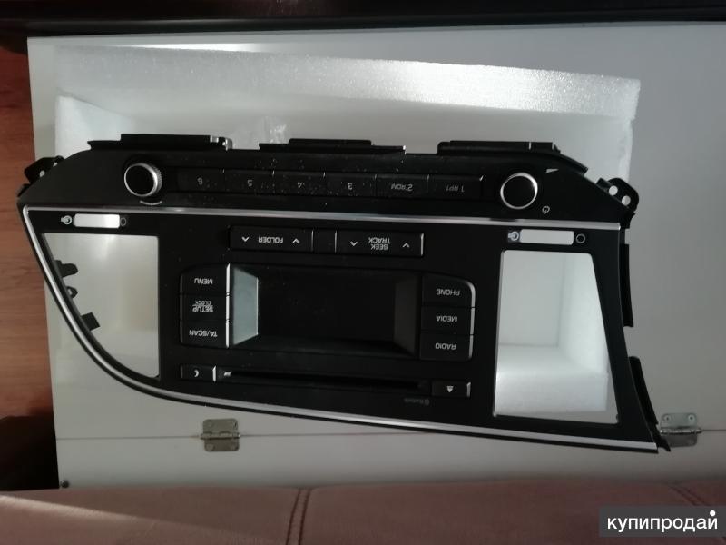 Автомобильная мультимедийная навигационная система с GPS