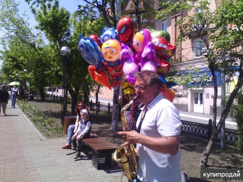 Саксофонист Евгений Колтович.