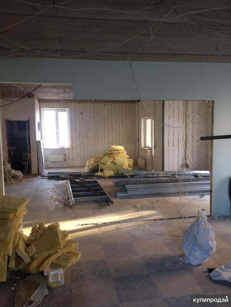 Снос зданий и демонтажные работы.