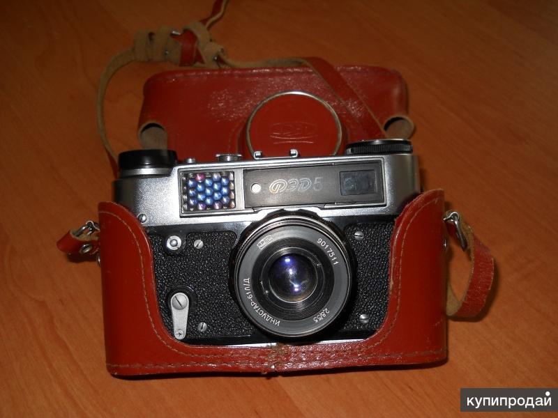 Продам фотоаппараты ФЭД-5 и Зенит - Символ для коллекционеров.