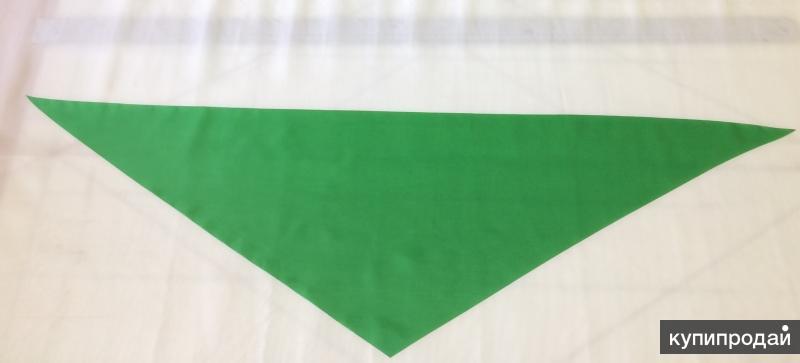 Зеленые пионерские галстуки.