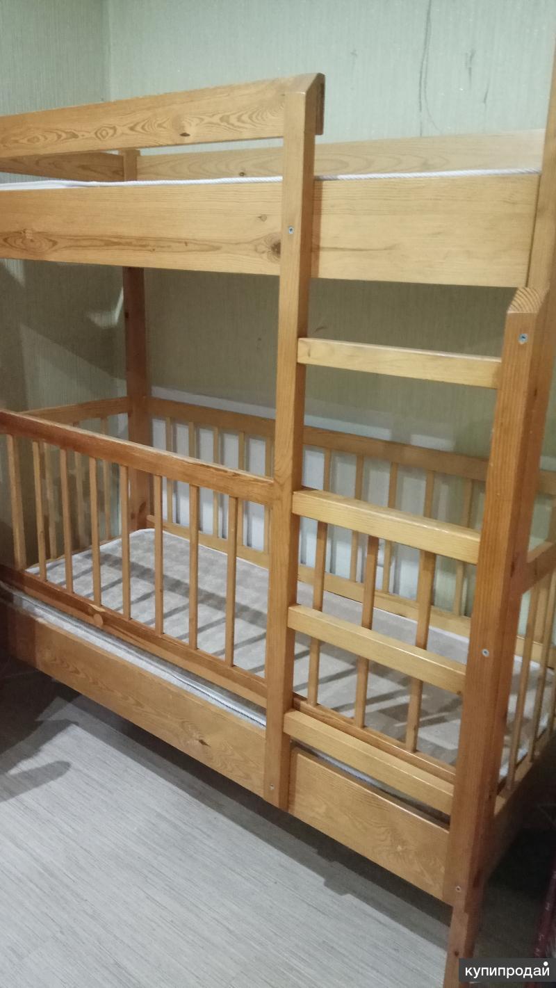Продается 2х ярусная кровать из массива сосны