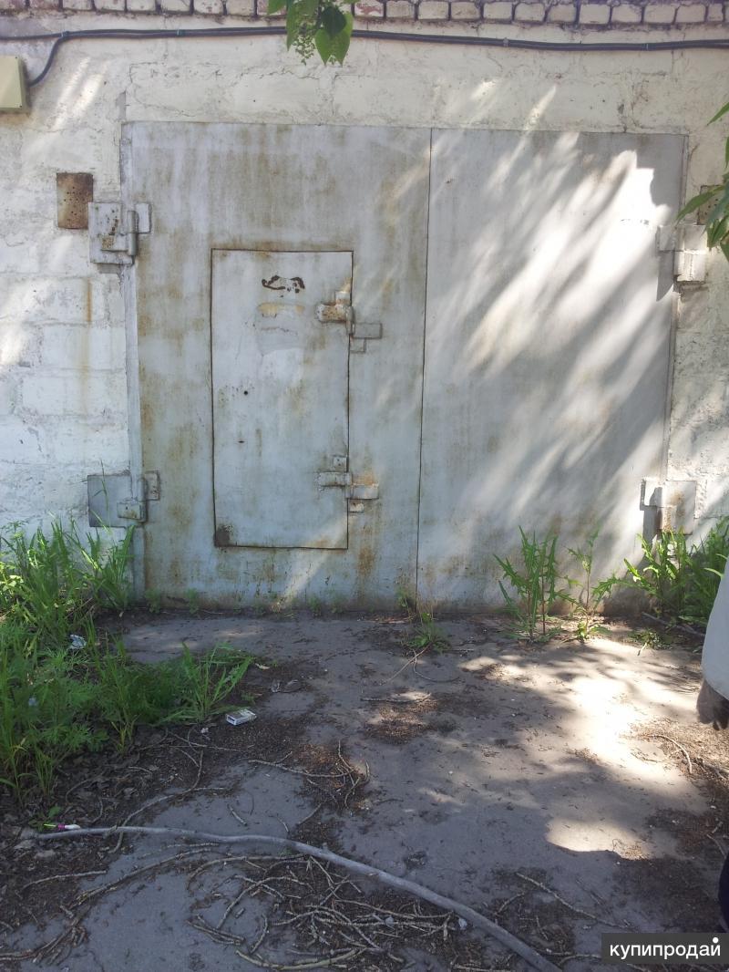 Продам  кирпичный гараж 18 м²