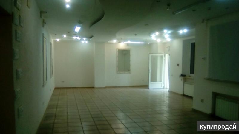 Под салон красоты,парикмахерскую,студию маникюра и педикюра,ресторан