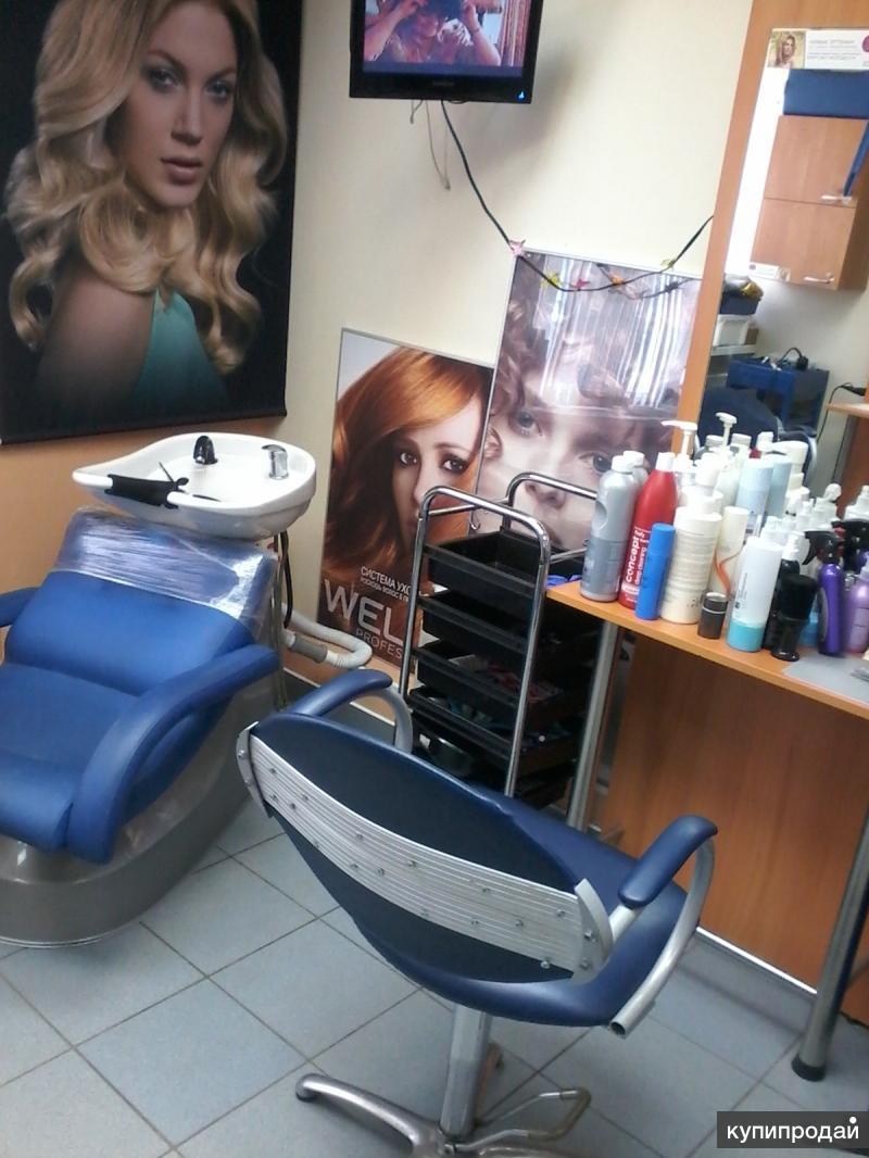 Требуется парикмахер, мастер маникюра