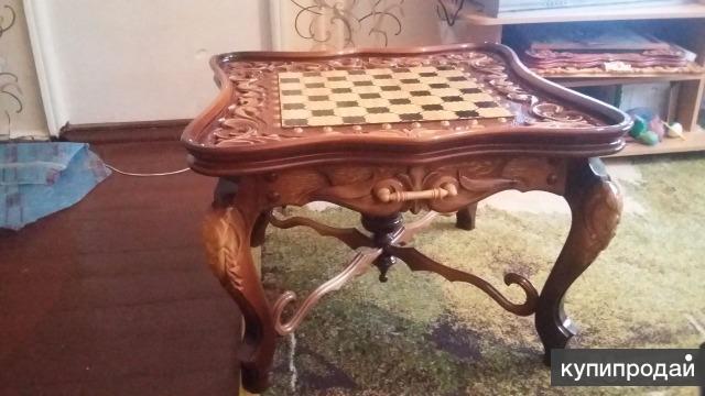 Шахматный столик
