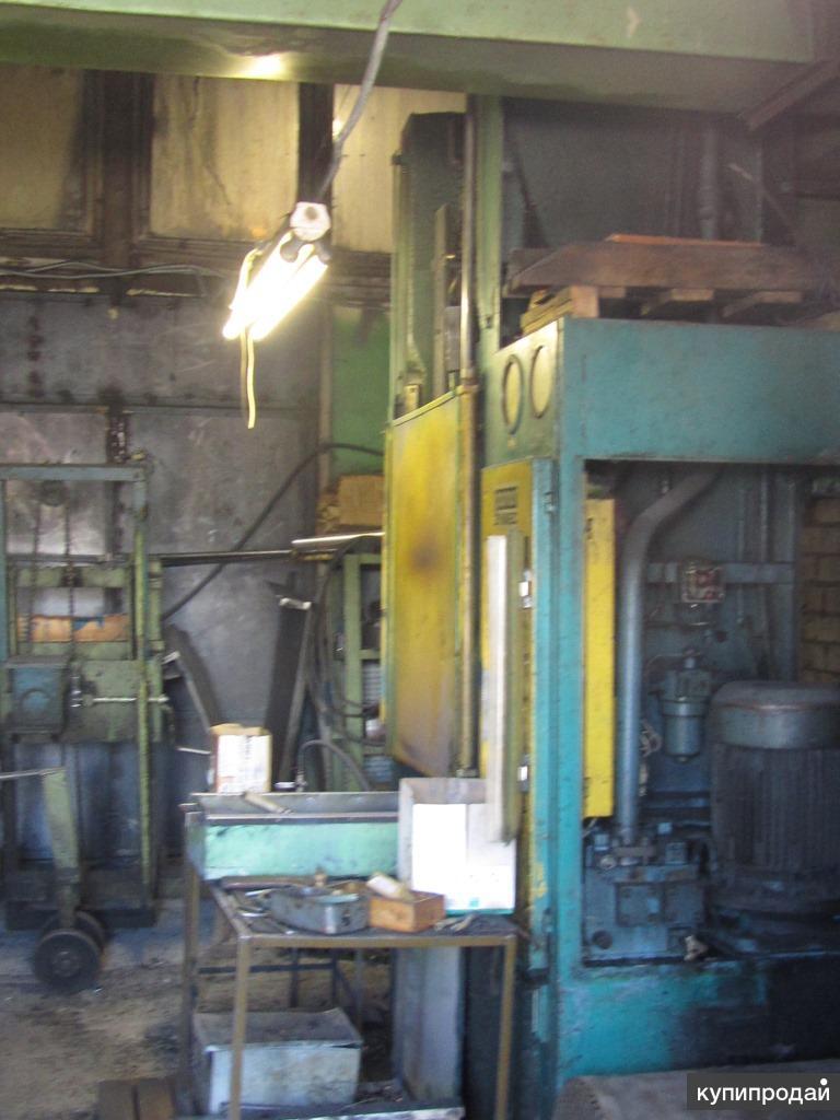 Пресс гидравлический для изделий из пластмассы PHM 160 C