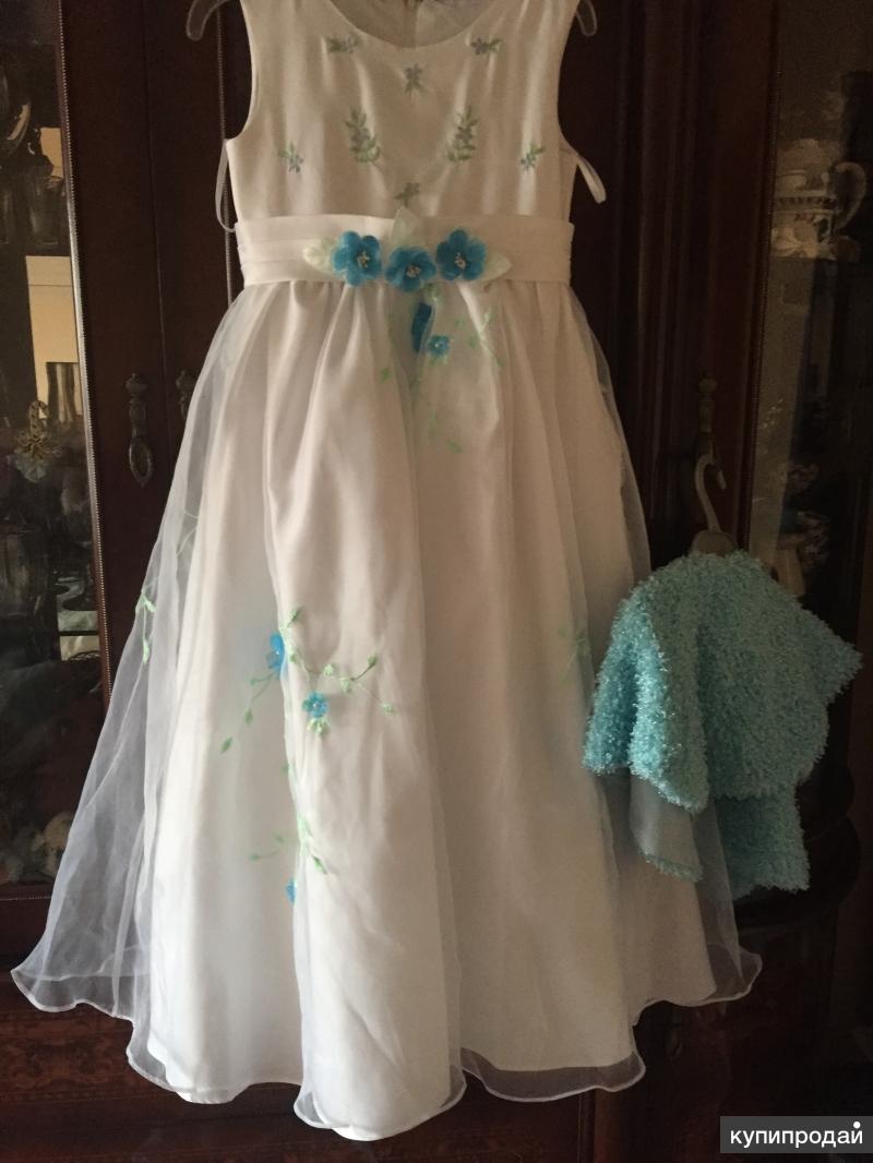 Очень красивое платье для маленькой леди!