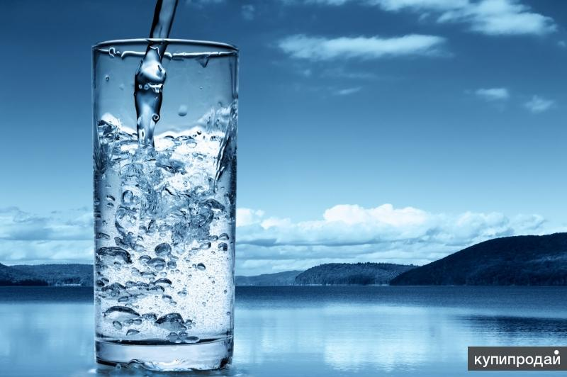 Вода живая питьевая.