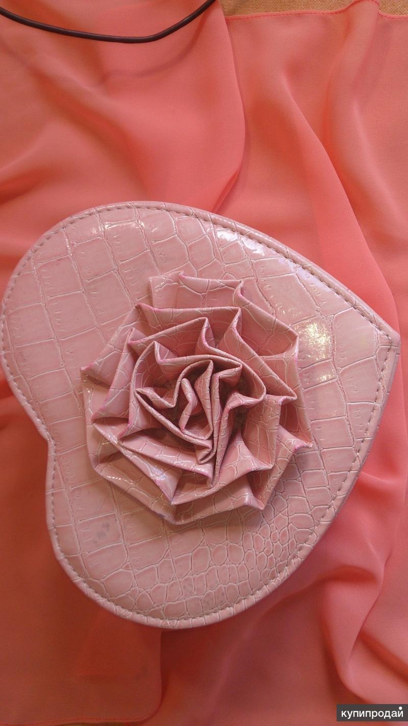 Продам шкатулку для хранения бижутерии в форме сердца