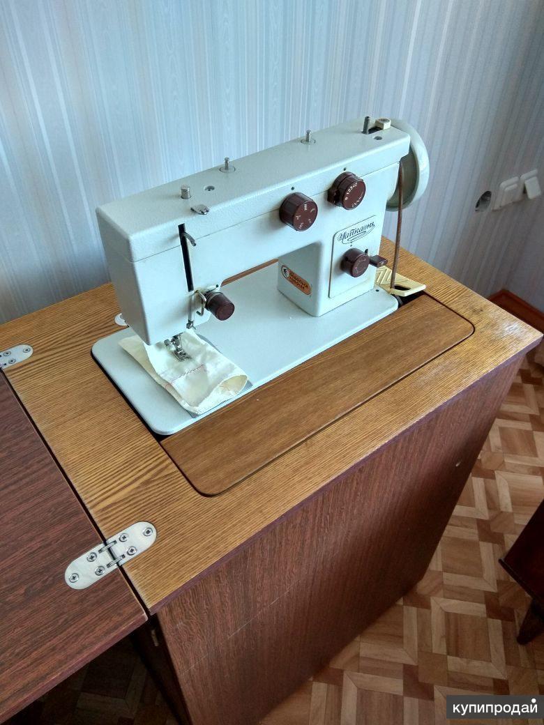 швейная кабинетная машинка Чайка М-143