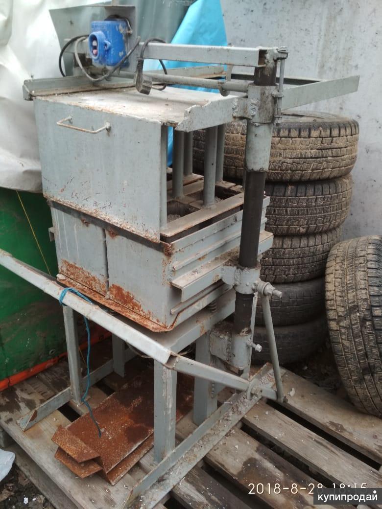 Станок для производства стеновых блоков (отсев, туфо, и т.д.)