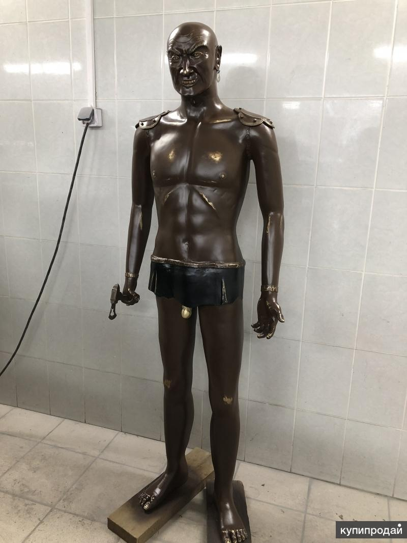 Статуя ловелас