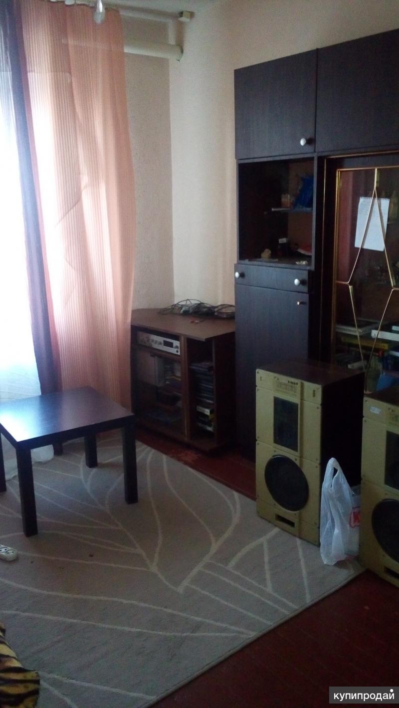Продается 2-х комнатная квартира в общежитии с хорошим ремонтом.
