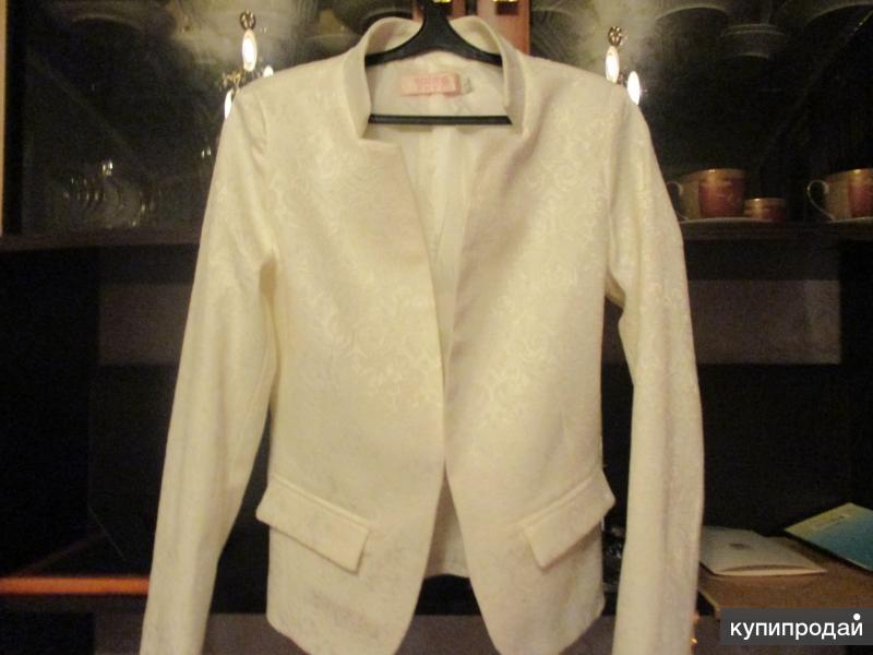 Пиджак размер 40 НОВЫЙ