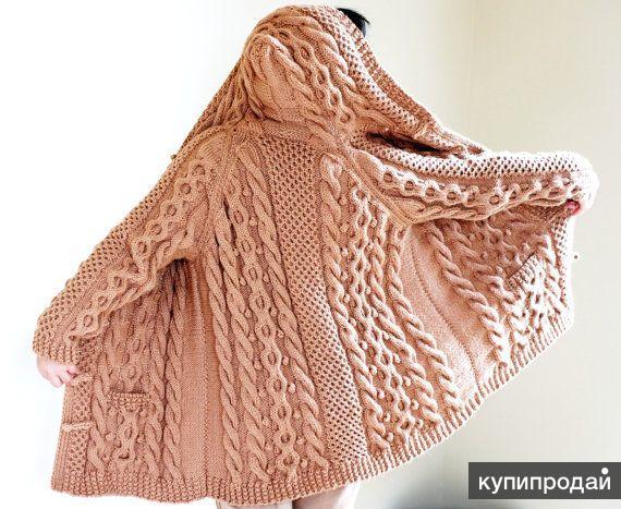 Вязаное пальто ручной работы