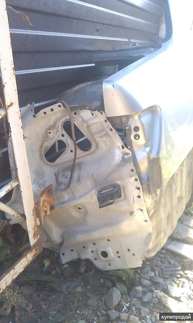 Продам запчасти Carina AT 211 Крыло заднее правое и арку заднего левого