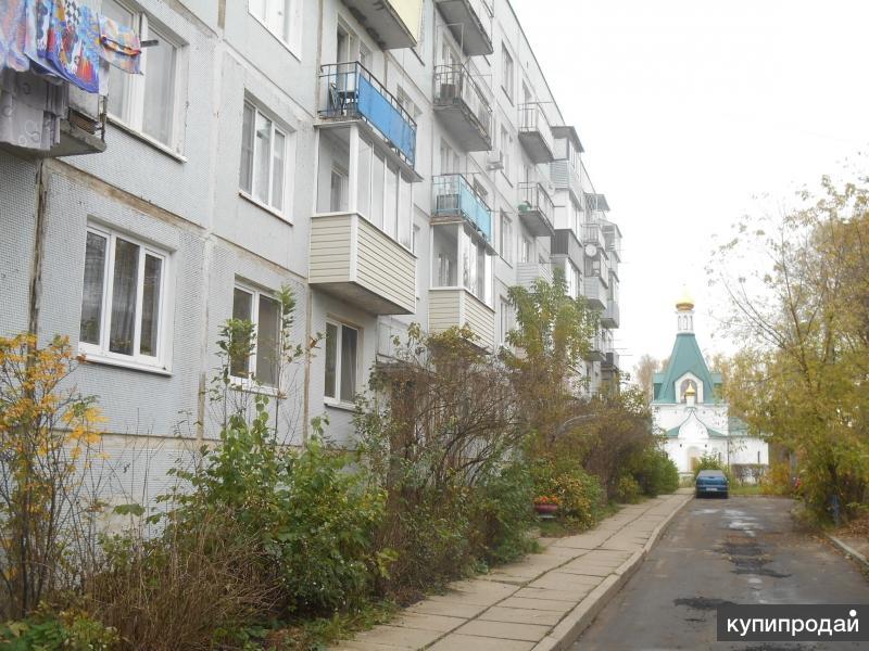 двухкомнатную квартиру в п. Оболенск по улице пр-т. Биологов, д.3