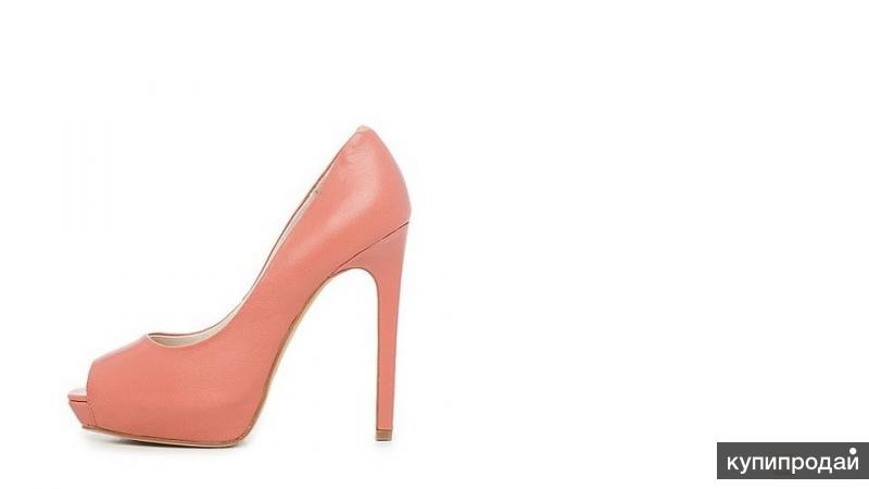 Продам женские кожаные туфли Laura Valorosa!