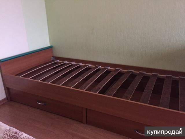 Продам детские 1,5 спальные кровати