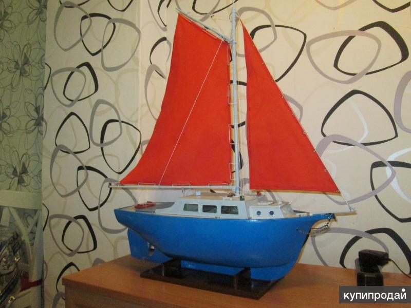 Подарочная модель парусника