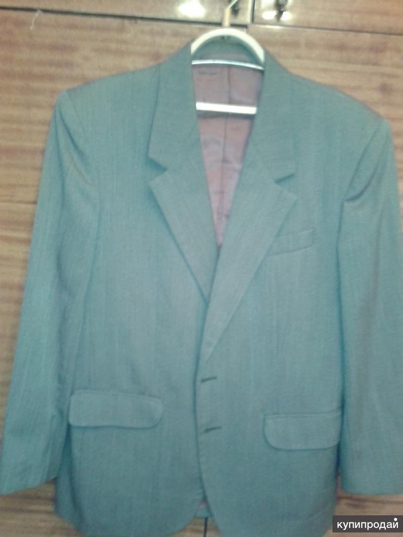 Пиджак разм. 48-50. Рост 165 см. Светло коричневый