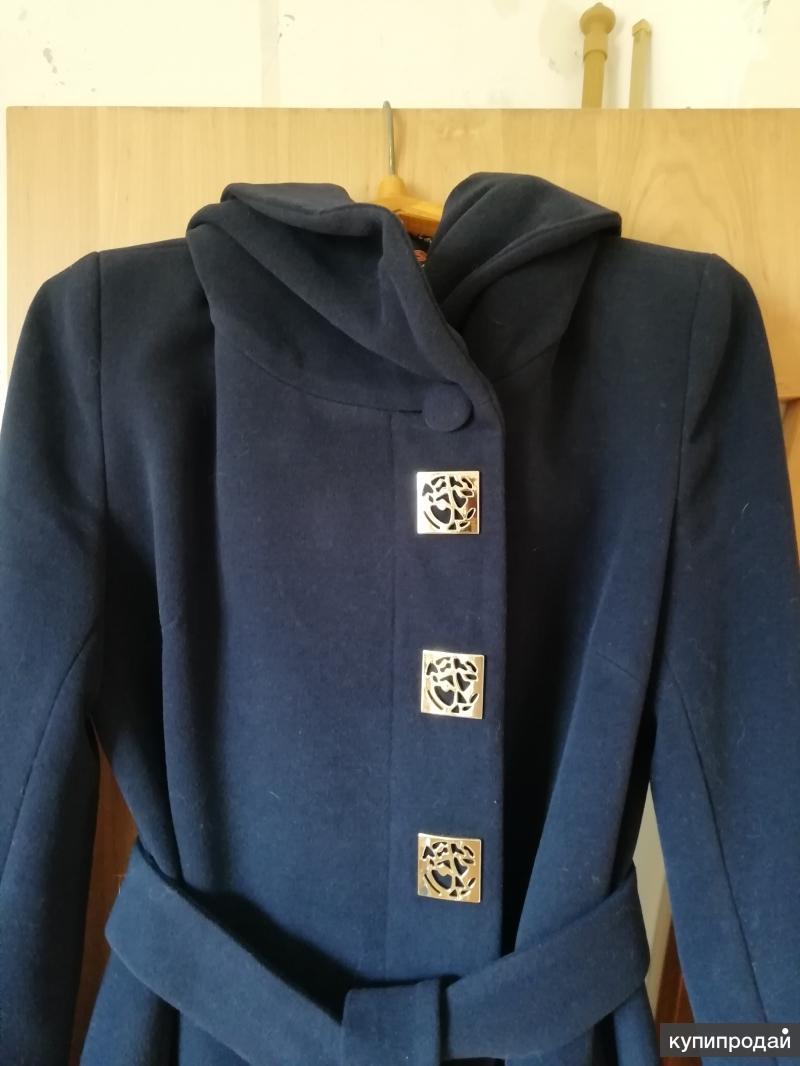 Продам пальто демисезонное