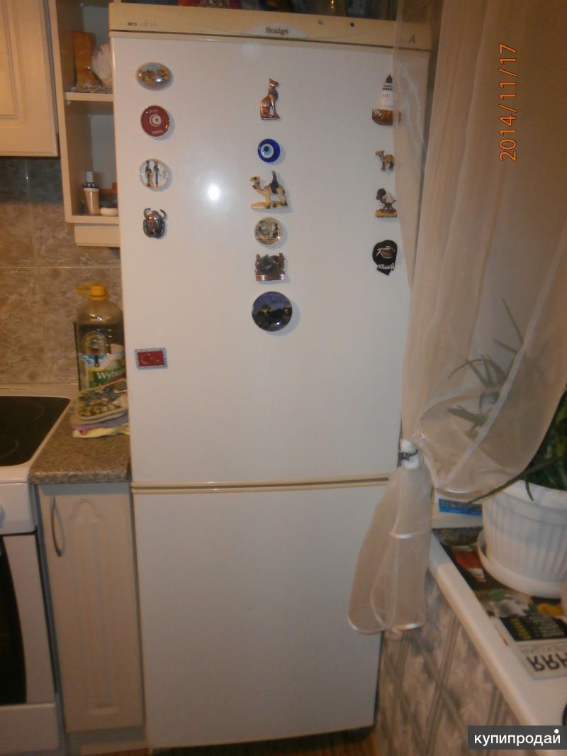 """Продам холодильник """"Снайге""""."""