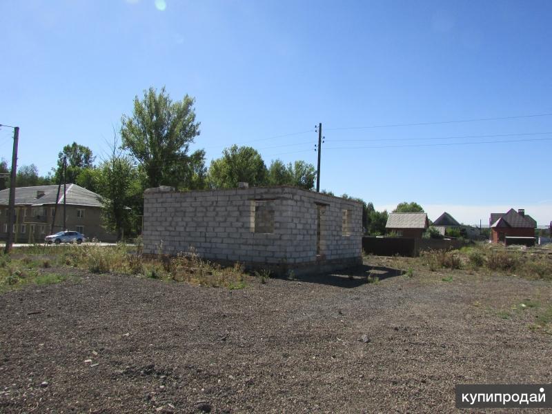 Продам сквозной участок на ЛХЗ (Чехова-Узкоколейная), на участке шлакоблочное ст