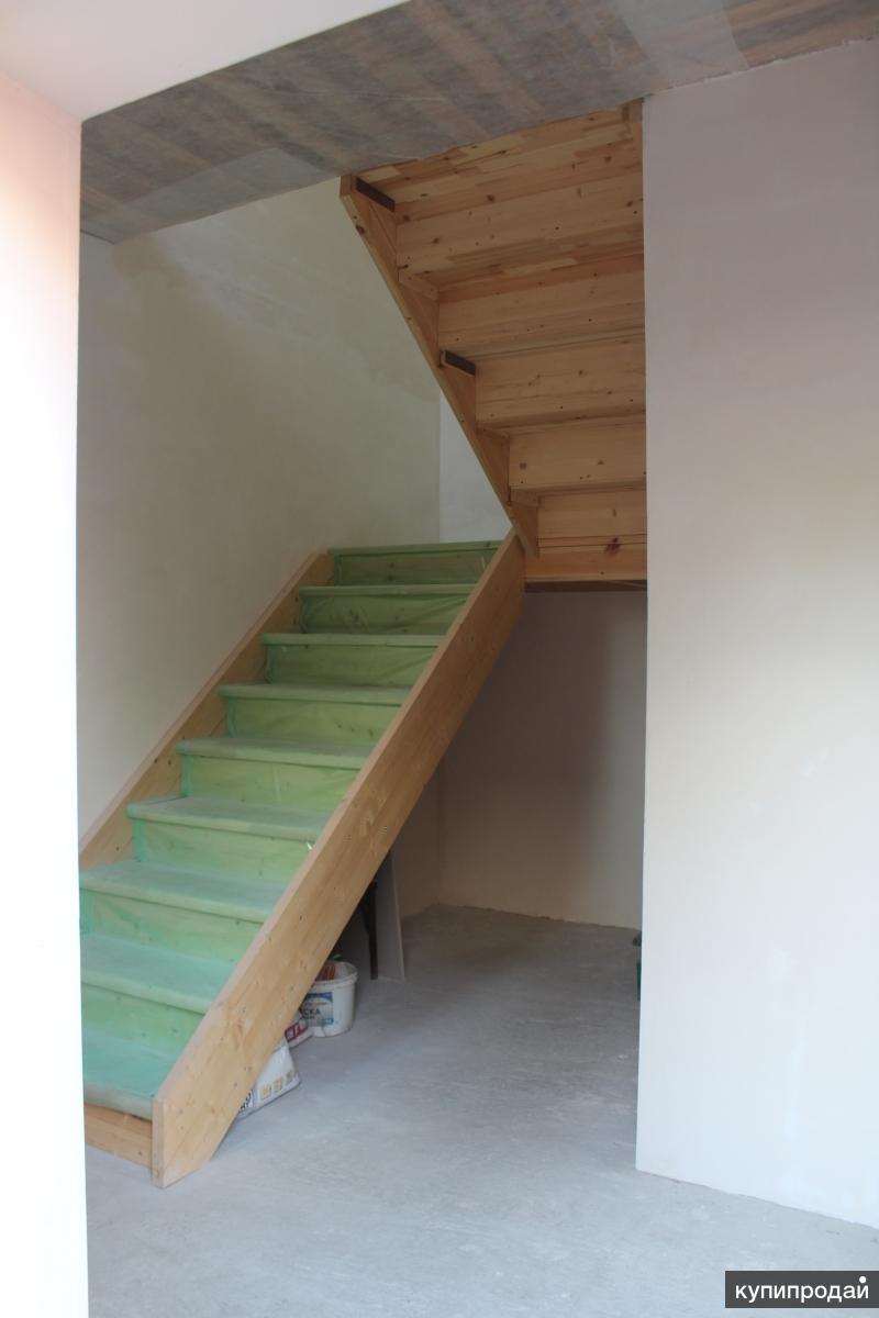 Газовый котел под лестницей фото