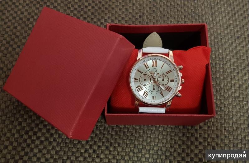 Женские кожаные часы