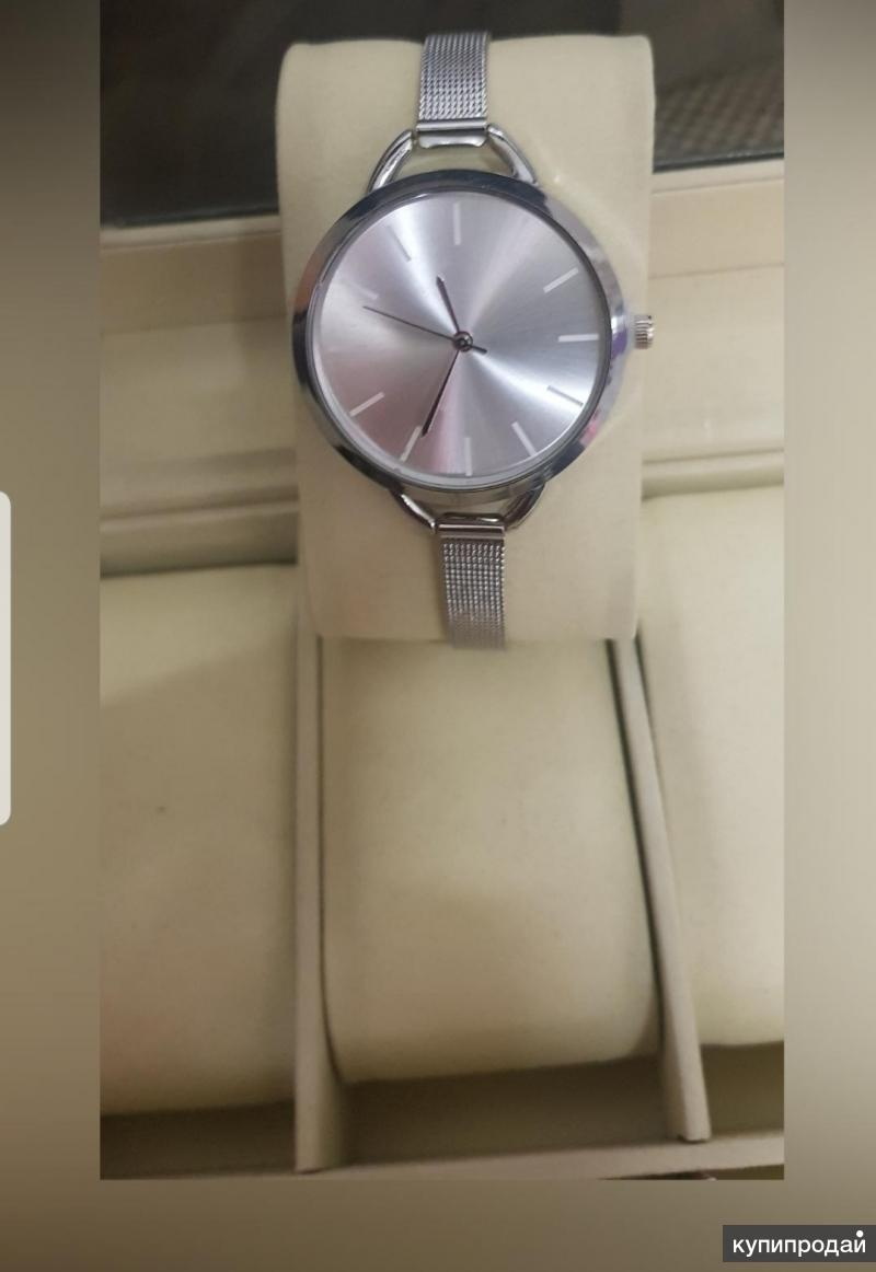 Женские кварцевые часы новые