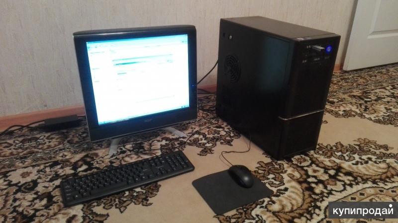 Настольный компьютер в полном комплекте
