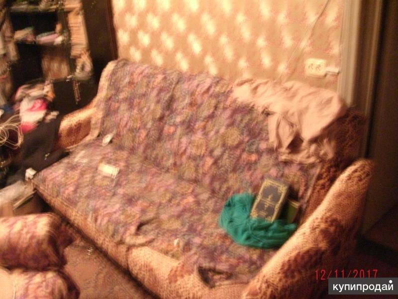 продаю просторный диван леопардового цвета