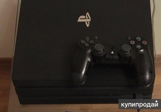 Продам игровую приставку PlayStation 4 PRO