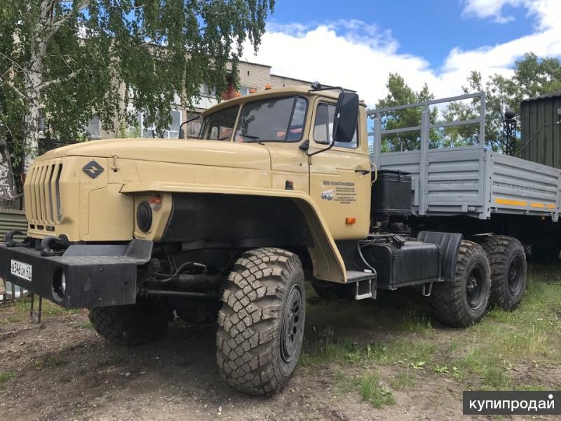Урал 43202 4320 седельный тягач и полуприцеп Нефаз